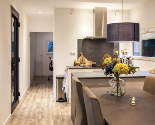 mantelzorgwoning met moderne keuken