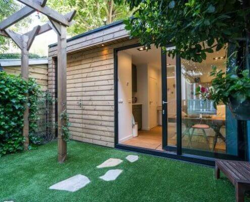 In een buitenverblijf en tuinkantoor van Solilux is het goed verblijven